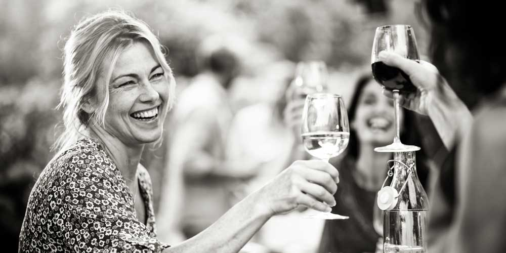 Over 40s drinking – why non-alcoholic wine is your new best friend