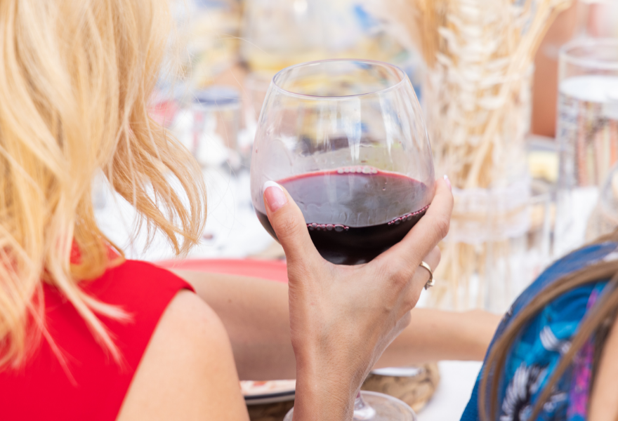 Pair non alcoholic wine with the right food