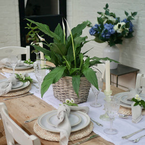 White linen table runner