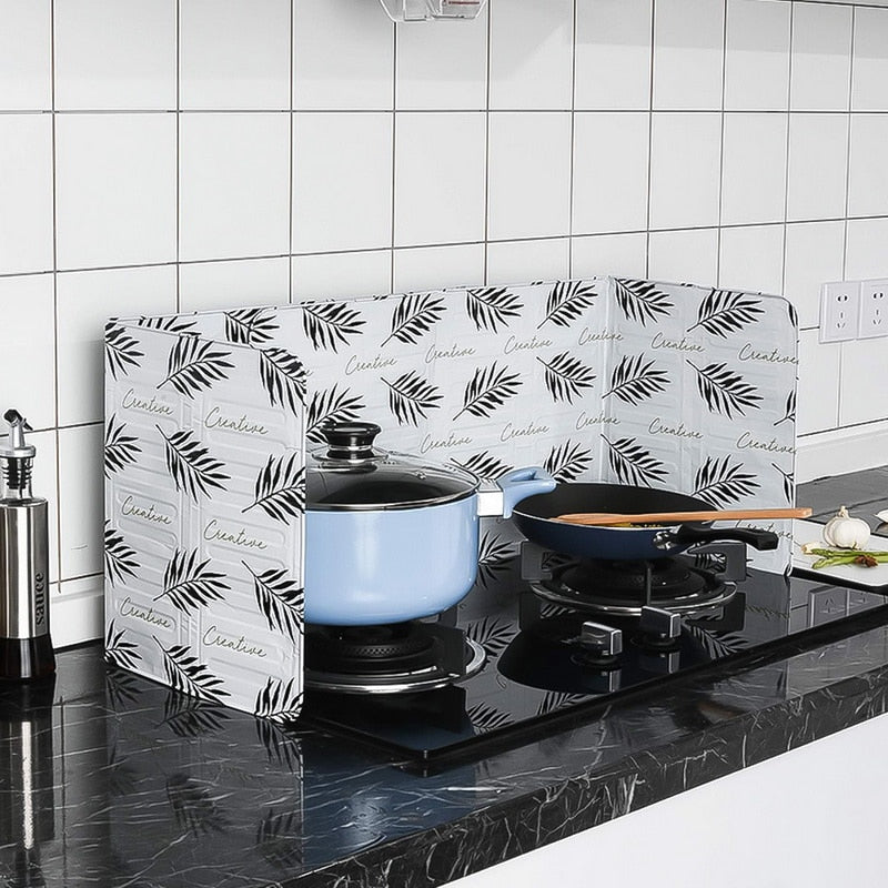 Kitchen Gadgets Oil Splatter Screens Aluminium Foil Plate Gas Stove Splash Proof Baffle Home Kitchen Cooking Tools