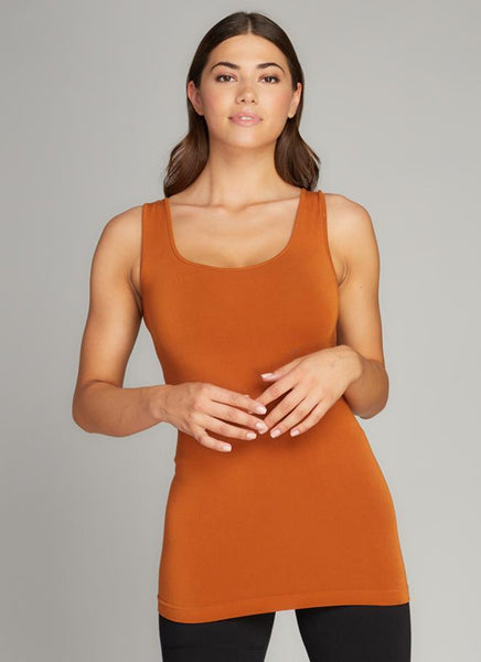 c'est moi bamboo seamless women's clothing line. cest moi seamless clothing. best basics. best Bamboo Tank top in ginger