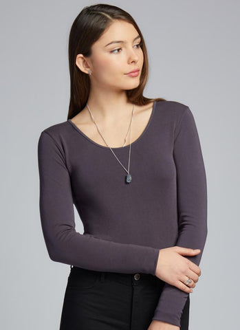 c'est moi bamboo seamless women's clothing line. cest moi seamless clothing. best basics. best long sleeve scoop top in charcoal