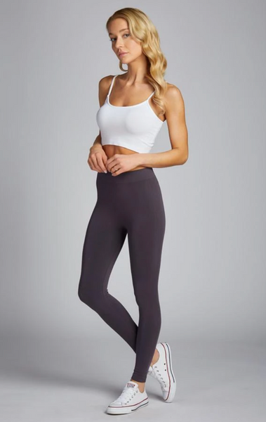 c'est moi bamboo seamless women's clothing line. cest moi seamless clothing. best basics. best bamboo leggings in charcoal