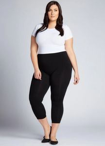 C'est Moi Bamboo Crop Leggings in Plus