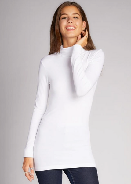 c'est moi bamboo seamless women's clothing line. cest moi seamless clothing. best basics. best bamboo Turtle neck in White