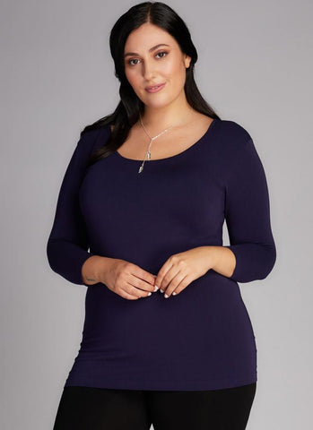 c'est moi bamboo seamless women's clothing line. cest moi seamless clothing. best basics. best 3/4 scoop top for Plus size women
