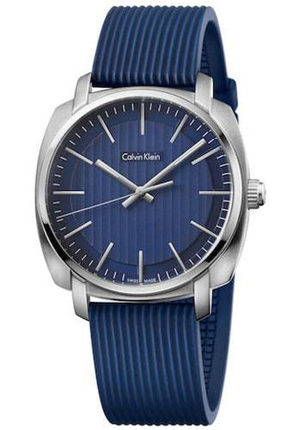 The beautiful Highline K5M311ZN men's watch by Calvin Klein with its modern yet timeless look make this incredible watch an essential in your collection. Wear the latest trends in accessories made with high quality materials on your wrist. - www.choubrand.com