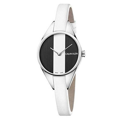 The Rebel K8P231L1 model is a women's watch by Calvin Klein that will be the perfect choice to go with any outfit and style. A unique and modern look in a beautiful and elegant combination of white, black and silver.  - CHOUBRAND
