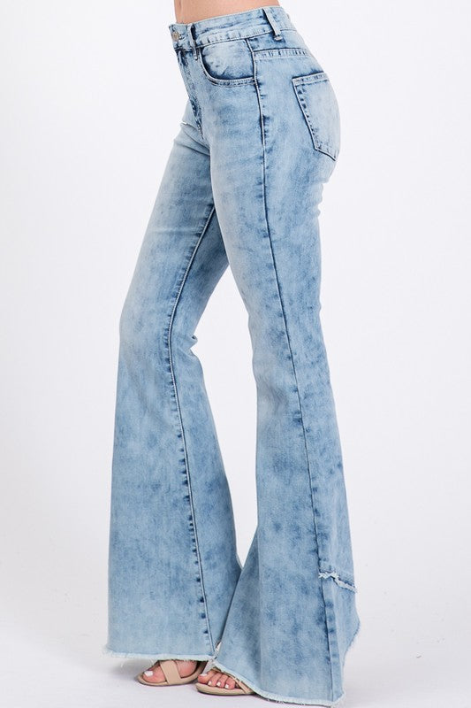 Acid Wash Bell Bottom Jeans W Frayed Hem Detail Luxe Lizzies