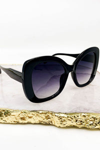 Thick Cat Eye Plastic Frame Fashion Sunglasses