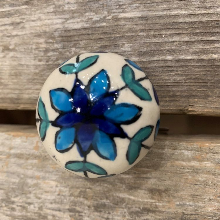 KNOB FLORAL IN BLUE