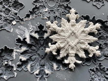 "Load image into Gallery viewer, IOD DECOR MOULDS ""Snowflakes""-limited edition"
