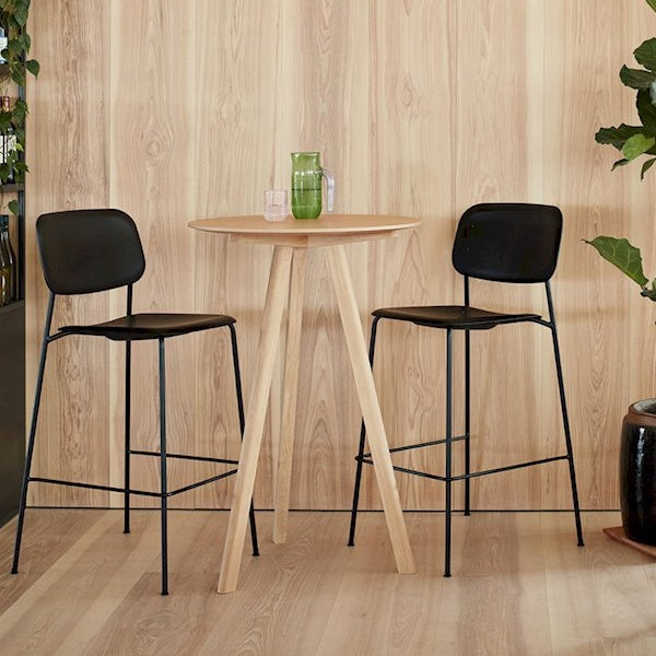 Soft Edge P10 Barstool