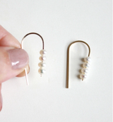 Short Arc Threader Sm. Multiple Pearls Earrings