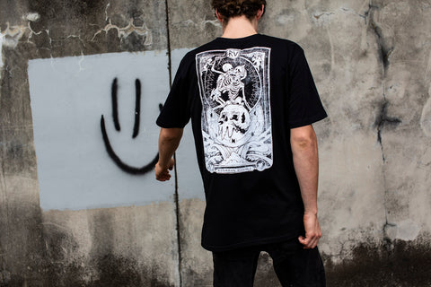 LOVE & DEATH TEE - BLACK
