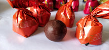 Load image into Gallery viewer, Mango Filling Wrapped Ooty Homemade Chocolates