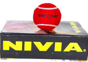 Nivia Red Heavy Cricket Tennis Balls - Hard cricket tennis Balls ( Pack of 6 Balls)