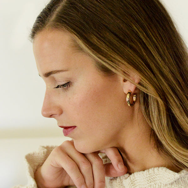 But What Would I Wear Hoops - Chunky Gold Hoop Earrings - Model Profile 25mm | Sundree Accessories