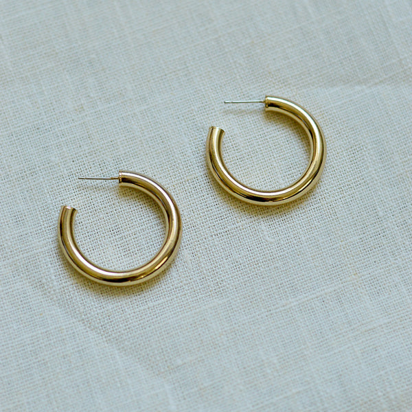 But What Would I Wear Hoops - Chunky Gold Hoop Earrings - Detail Flat Lay 35mm | Sundree Accessories