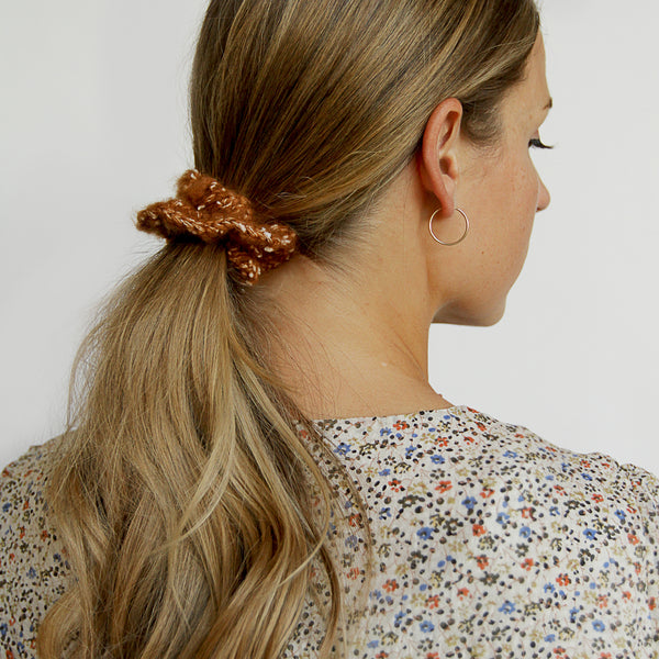 Beignet Scrunchie - Knitted Scrunchie Hair Tie - Model | Sundree Accessories