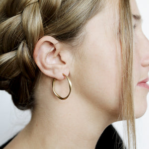We Never Go Out Of Style Hoops - Gold Twist Hoop Earrings - Model Profile | Sundree Accessories