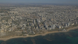 AT4K_016 Aerial 4K Tel Aviv: High altitude skyline and coast