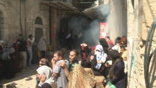 CJ_016 Jerusalem Conflict 2015: Palestinian funeral - Protestors Run through Street with Coffin