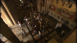 JC_002 - Christian sites in Jerusalem: Church of the Holy Sepulchre, tilt down from ceilings to worshipers