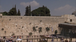 JJ_015 - Jewish sites in Jerusalem: The Western Wall slow pan right to left