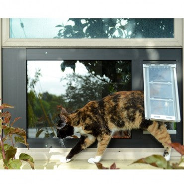 The endura flap cat flap has a flexible flap for insulation and comfort