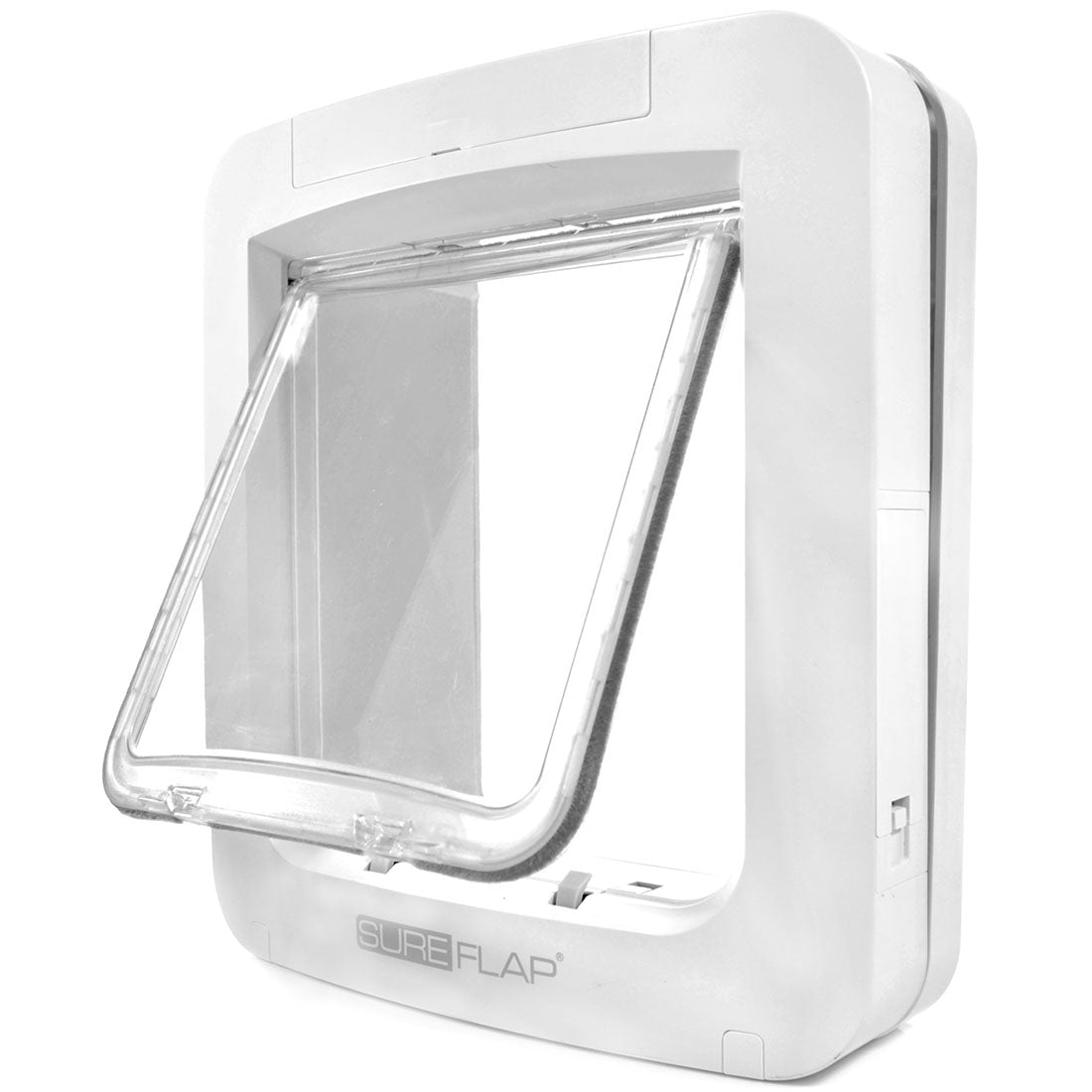 The Sureflap electronic smart door is a great cat flap for households with multiple pets.