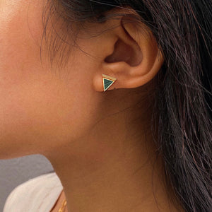 Load image into Gallery viewer, Malachite Geometría Triangle Gold Stud Earrings