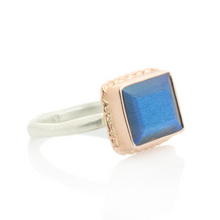 Load image into Gallery viewer, Sterling & 14K Rose Gold Ruffled Edge Labradorite Ring