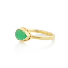 Load image into Gallery viewer, 14K Gold Ruffled Edge Teardrop Emerald Ring
