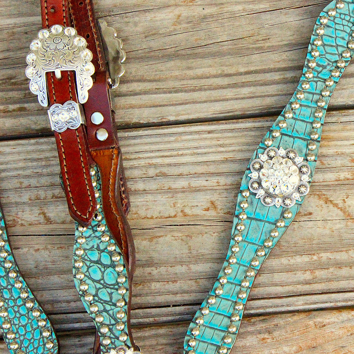 Antique Teal Gator/Chestnut Leather One Ear Tack Set w/Clear Crystal Rhinestone Conchos