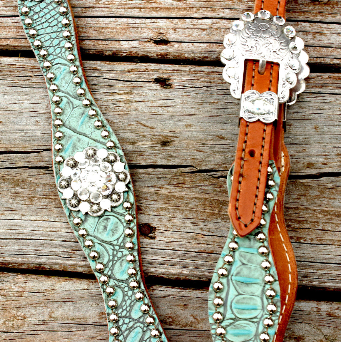 Antique Teal Gator/Tan Leather One Ear Tack Set w/Clear Crystal Rhinestone Conchos