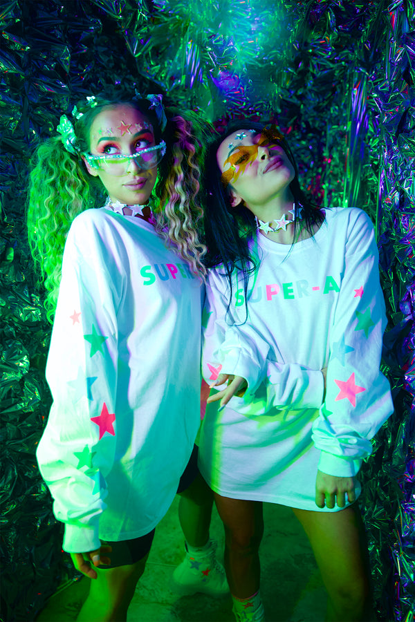 FESTY BESTY | Super-Air Glow White Long Sleeve T-Shirt (Glow In The Dark) | Vanesa Seco, Pamela Seco, Marina Fini Photoshoot in California