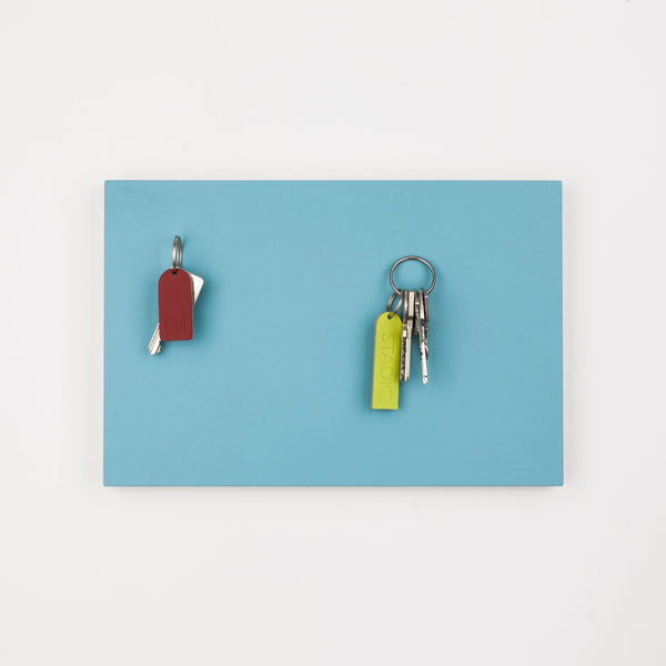 STADIG.anziehend design magnetic key rack made of wood with linoleum surface