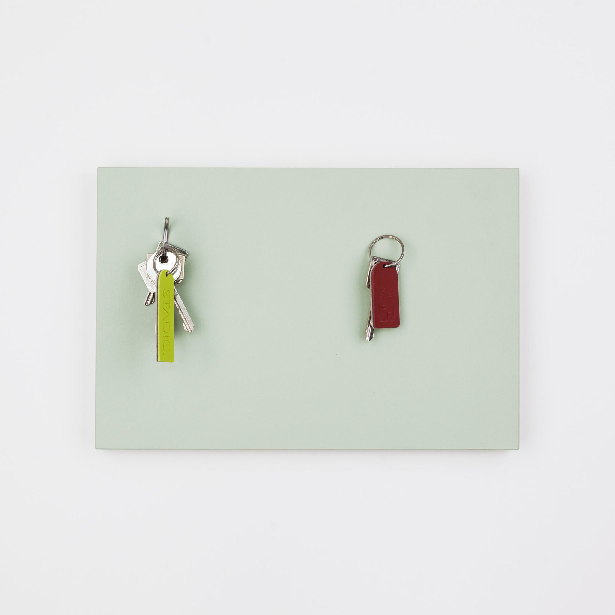 STADIG.anziehend design magnetic key rack #white green