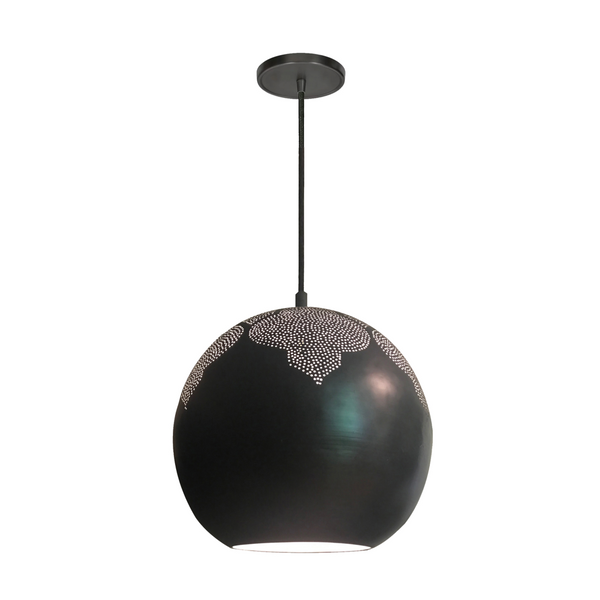 Detailed pendant light
