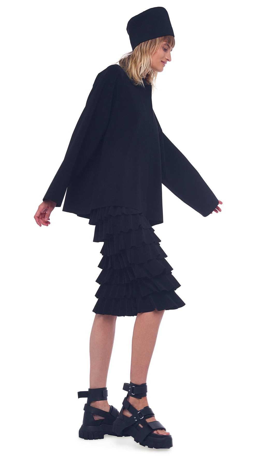 RUFFLE SKIRT TO THE KNEE