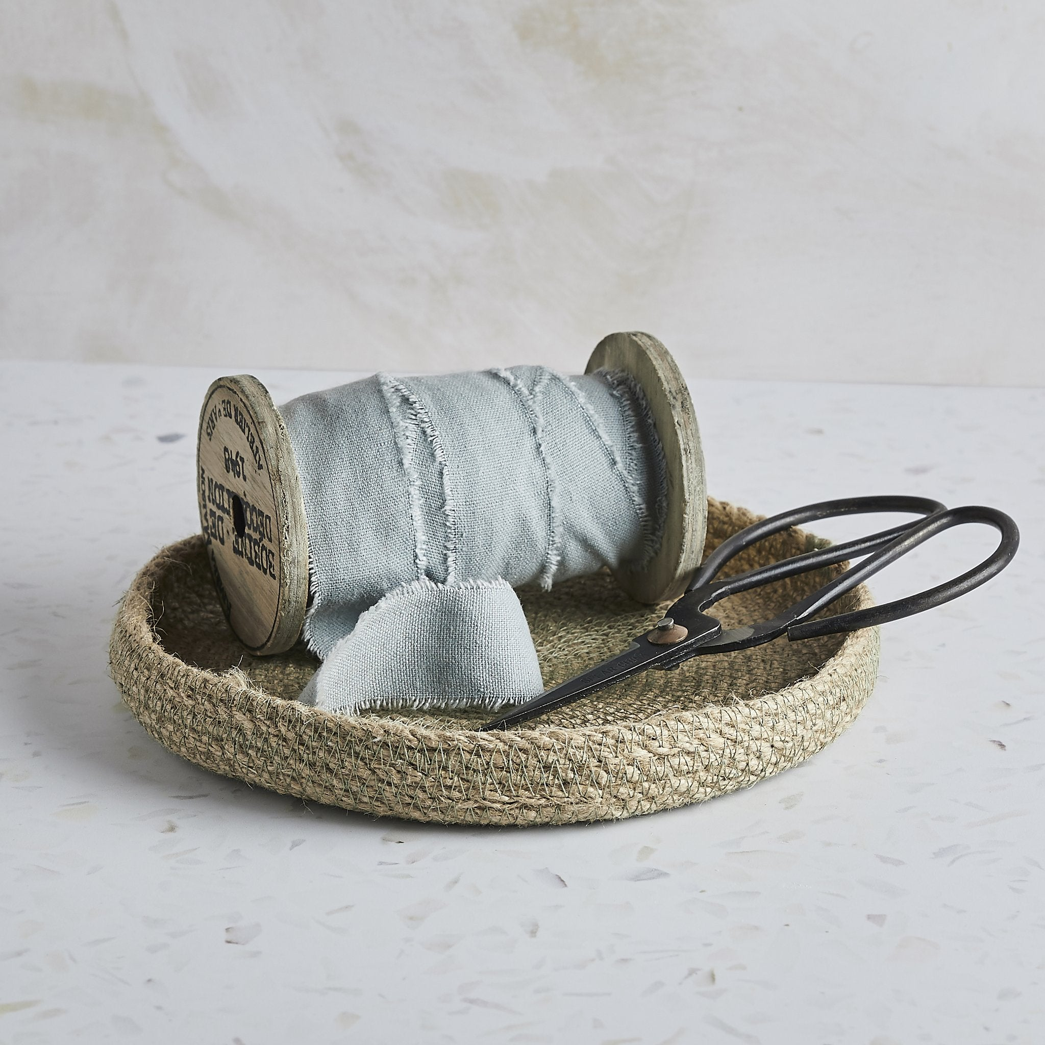 Eco-Twist trinket tray with ribbon and scissors