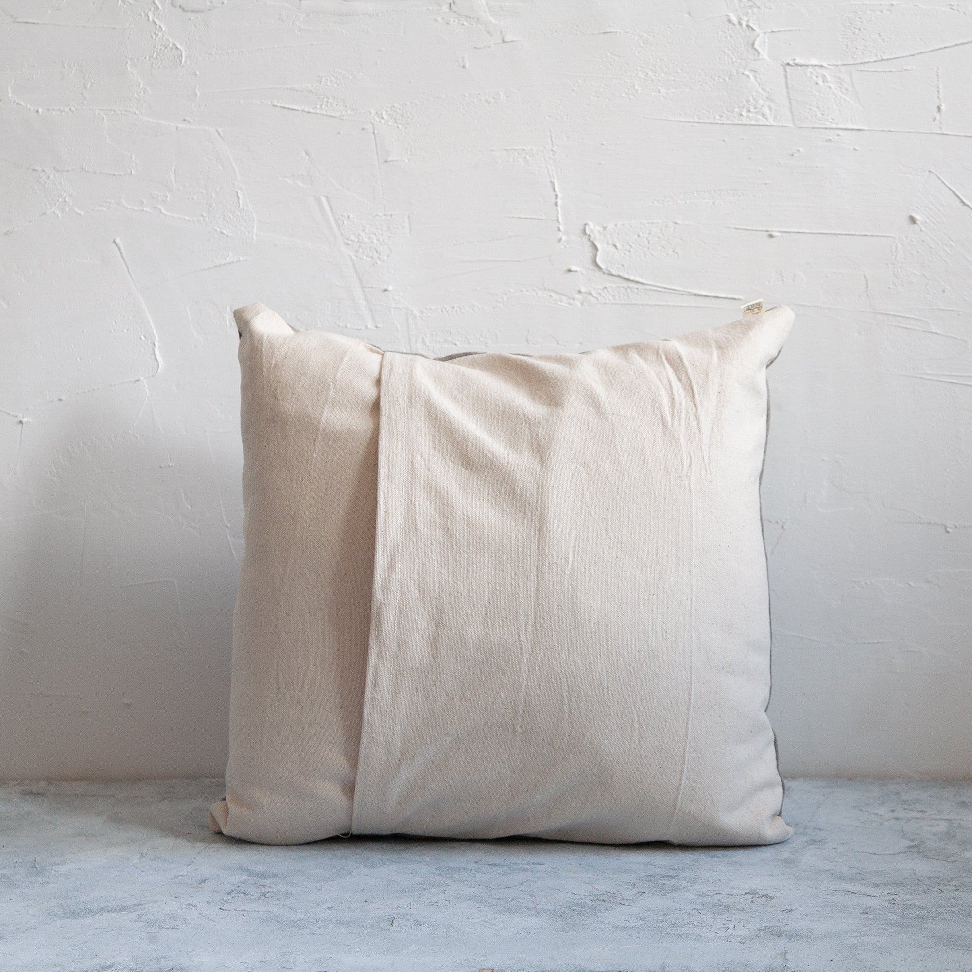 Organic cotton cushion back with envelope enclosure