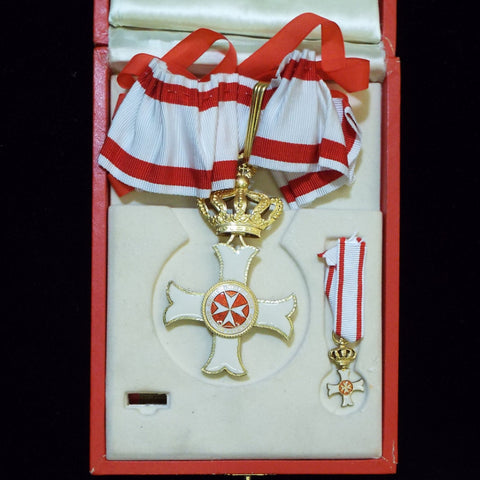 Order of Malta, Commander and miniature in box - BuyMilitaryMedals.com - 1