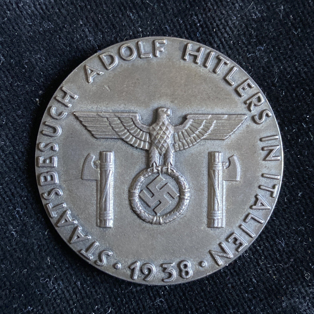 Italy, badge given to officials worn on Hitler's state visit to Rome, 1938, scarce