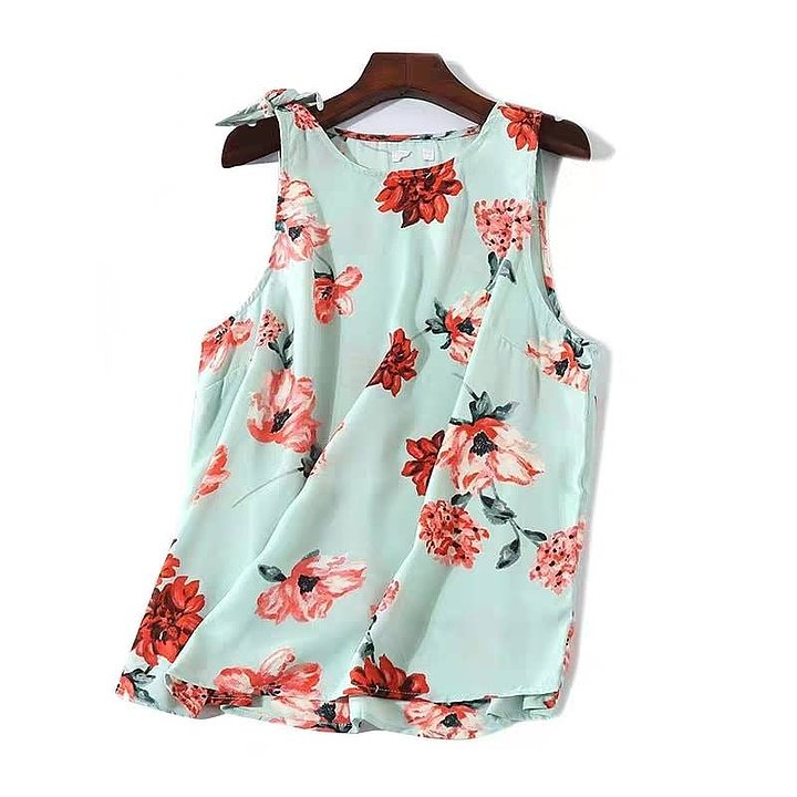 Side Knot Floral Top