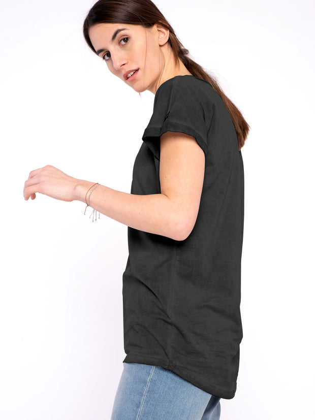 Women T-Shirt Black (loose and trendy) - ERDBÄR #Worldchanger
