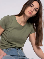 Women T-Shirt Green (classic) - ERDBÄR #Worldchanger