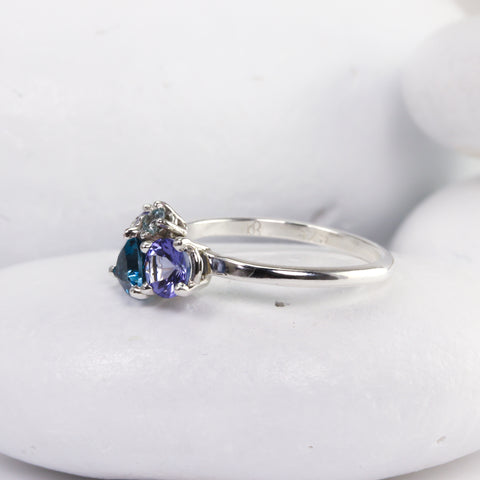 Low profile cluster ring from the side