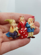 Load image into Gallery viewer, 1930s Rare Celluloid Snow White and Dwarfs Brooch